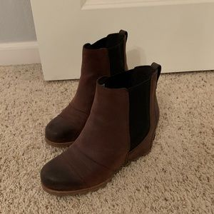 Sorel Joan arctic wedge Chelsea boot